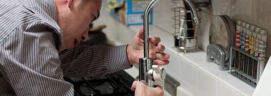 plombier-robinet