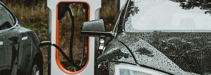 voiture-electrique-charge
