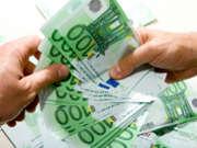 argent-billets-mains-euros