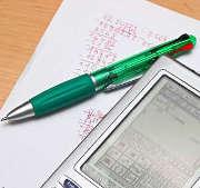 calculatrice-feuille-stylo