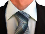 homme-cravate-noeud
