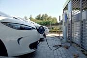 En entreprises, voitures essence, électriques et hybrides gagnent du terrain